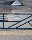 portail coulissant aluminium contemporain
