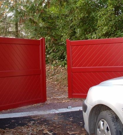 portail battant aluminium contemporain