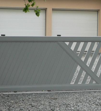 portail coulissant aluminium classique